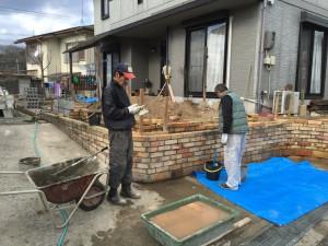 耐火煉瓦の塀